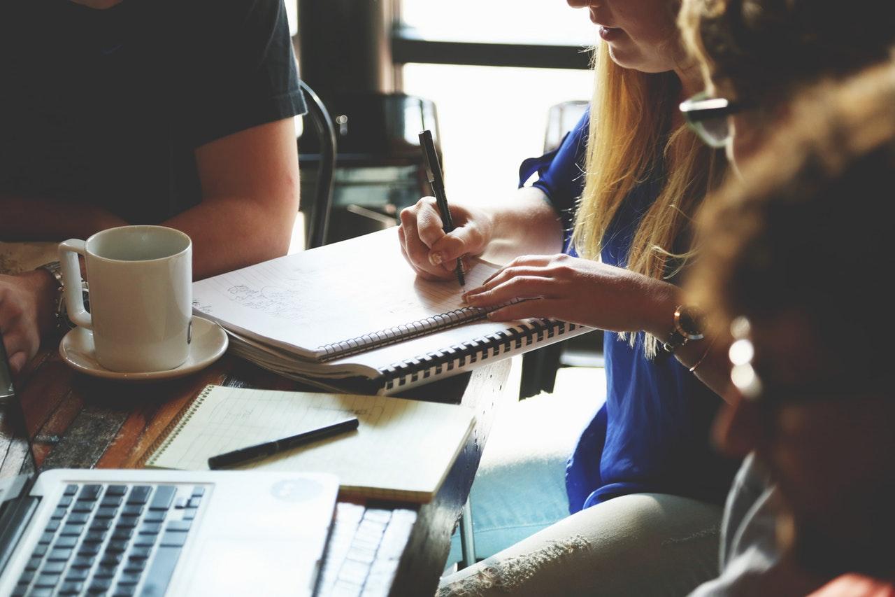people-coffee-meeting